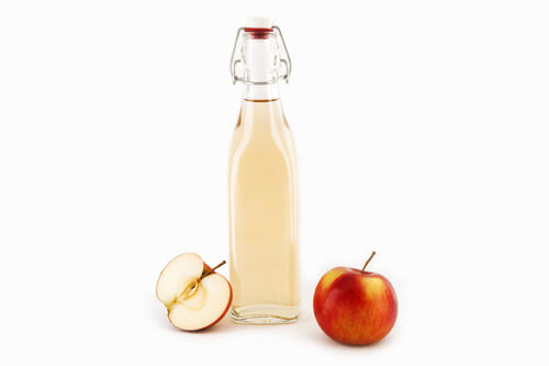 bottle-of-homemade-apple-cider-vinegar-remedy