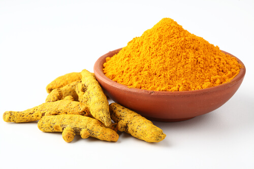 fresh-and-ground-turmeric-for-dogs