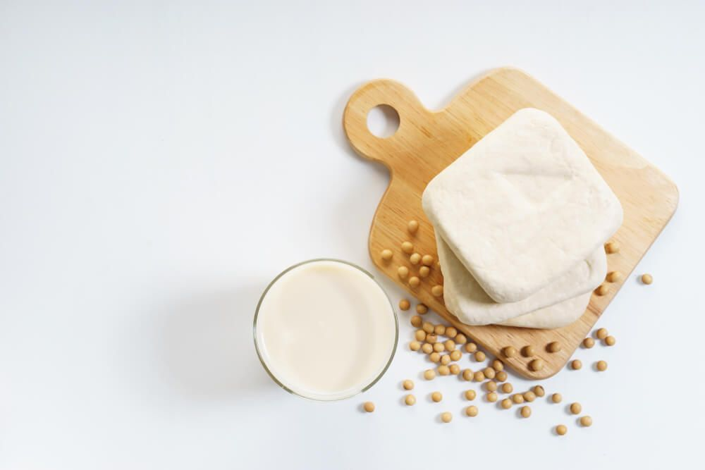 soy-milk-with-soy-beans-and-tofu
